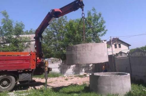 разгрузка бетонных колодец