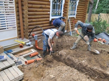 заведение трубы в дом на бетонном фундаменте