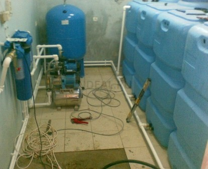 размещение насосного оборудования внутри помещения
