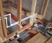 прокладка-водопроводной-трубы
