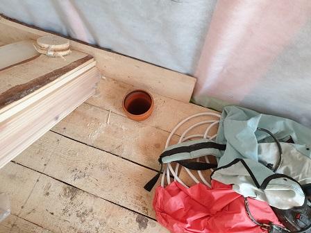 выход канализационной трубы в доме